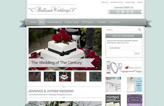 Vista previa de template con menú en formato ribbon, destaque de fotografías y elementos laterales.
