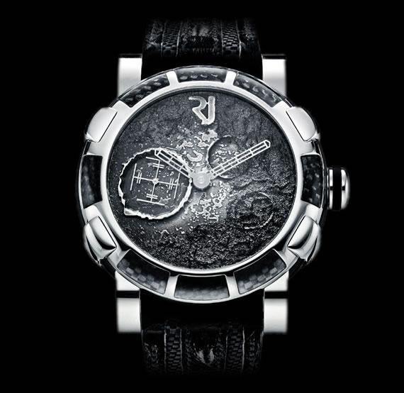 Reloj de la colección lunar de Romain Jerome, con imitación de superficie lunar en su cuadro.