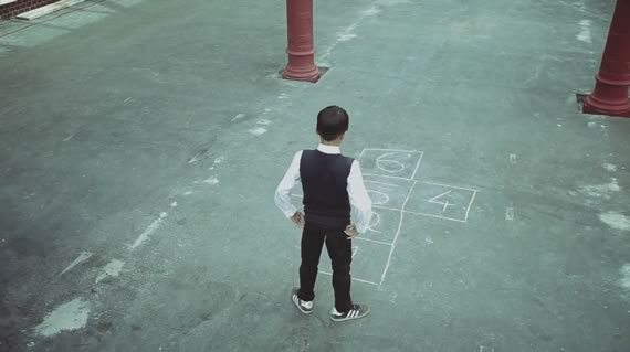 Vista previa de corto With a Piece of Chalk